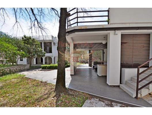 Perfect villa for sale in Orahovac, Montenegro, buy home in Montenegro, buy villa in Kotor-Bay, villa near the sea Dobrota