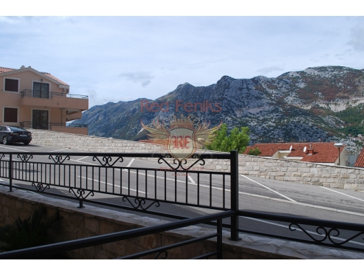 For sale 3-bedroom apartment of 89 m2 in the city of Risan, on the shore of the Boka Kotor Bay.