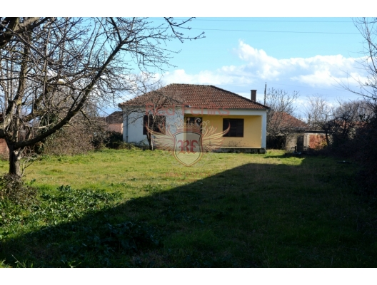 A plot with house near Podgorica, Cetinje house buy, buy house in Montenegro, sea view house for sale in Montenegro