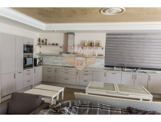 Luxurious villa at the first coastline in Stoliv, Montenegro real estate, property in Montenegro, Kotor-Bay house sale