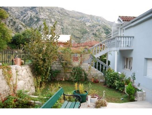 Family Apart Hotel in Kotor, karadağ da satılık dükkan, montenegro satılık cafe