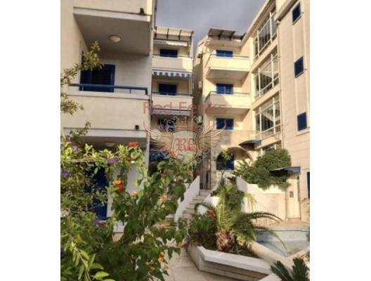For sale one bedroom apartment in Rafailovici.