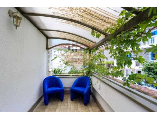 Three-storey house with a wonderful garden in Biele, Baosici house buy, buy house in Montenegro, sea view house for sale in Montenegro