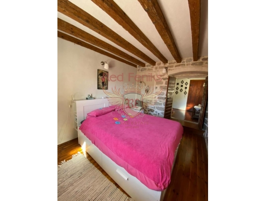 Stylish Duplex Apartment in the Heart of the Old Town of Herceg Novi, apartments for rent in Baosici buy, apartments for sale in Montenegro, flats in Montenegro sale
