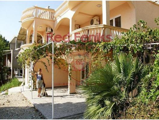Family House in Zeleni pojas, Karadağ da satılık havuzlu villa, Karadağ da satılık deniz manzaralı villa, Bar satılık müstakil ev