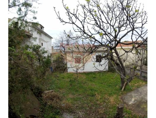 Dobra Voda'da yenileme isteyen ev