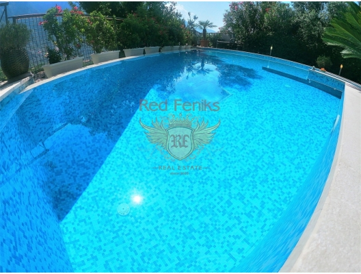 Four-bedroom townhouse with a pool in Orachovac, investment with a guaranteed rental income, serviced apartments for sale