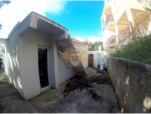Sutomore'de ev, Karadağ da satılık havuzlu villa, Karadağ da satılık deniz manzaralı villa, Bar satılık müstakil ev