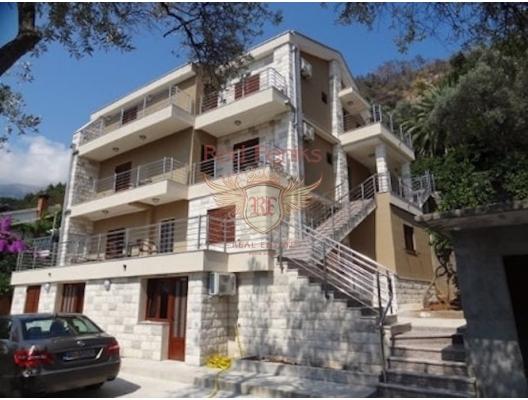 Budva'da Mini Hotel Budva'da denize sadece 200 metre mesafede satılık mini otel.