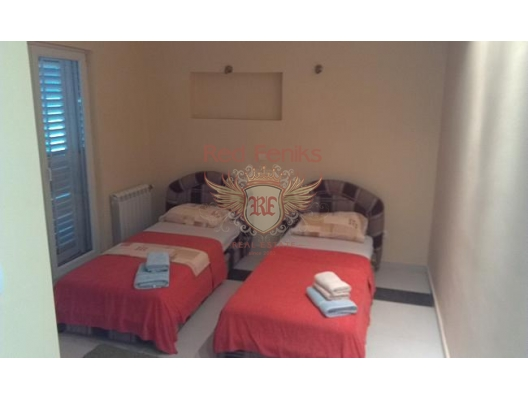 House in Dobrota at the first coast line, Montenegro real estate, property in Montenegro, Kotor-Bay house sale
