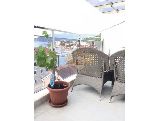 Nice Two Bedrooms Apartment on the Top floor, Seafront, Herceg Novi da ev fiyatları, Herceg Novi satılık ev fiyatları, Herceg Novi ev almak