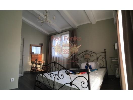 Rjeka Rezevici'de güzel ev, Karadağ da satılık havuzlu villa, Karadağ da satılık deniz manzaralı villa, Becici satılık müstakil ev