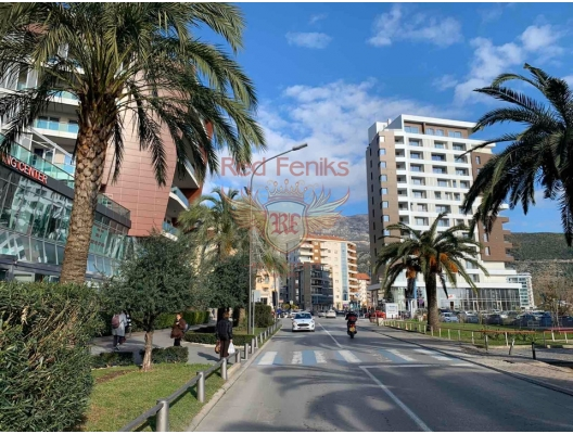 Commercial space for sale in Budva on the first line in a new building.