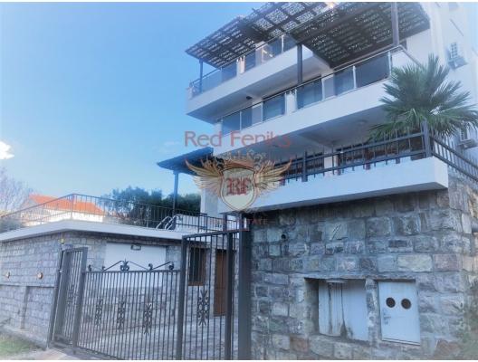 Utjeha panoramik deniz manzaralı satılık ev.