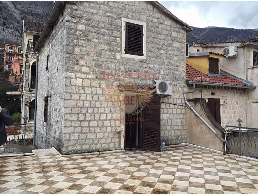 Dobrota'da rahat bir ev (Kotor Körfezi), Kotor-Bay satılık müstakil ev, Kotor-Bay satılık villa