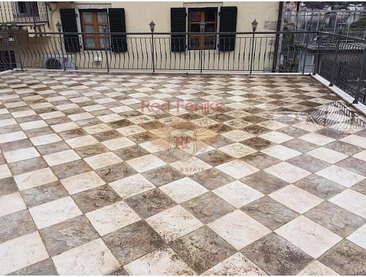 Dobrota'da rahat bir ev (Kotor Körfezi), Karadağ satılık ev, Karadağ satılık müstakil ev, Karadağ Ev Fiyatları