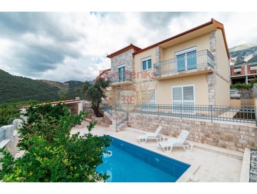 Satılık yeni villa prestij Becici bölgesinde yer almaktadır.