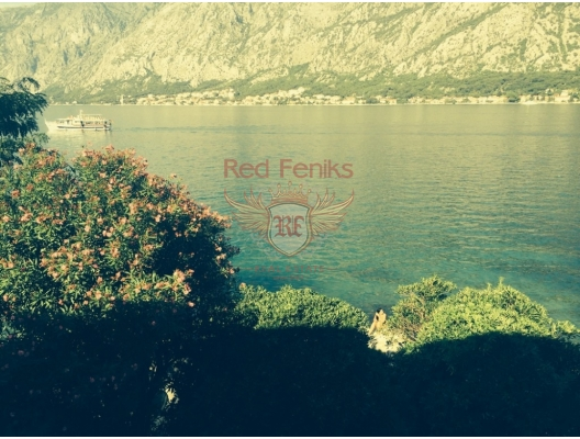 Stone house in Prcanj, with pier, Montenegro real estate, property in Montenegro, Kotor-Bay house sale