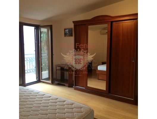 Risan'da satılık yeni ve mobilyalı bir ev, Karadağ da satılık havuzlu villa, Karadağ da satılık deniz manzaralı villa, Dobrota satılık müstakil ev