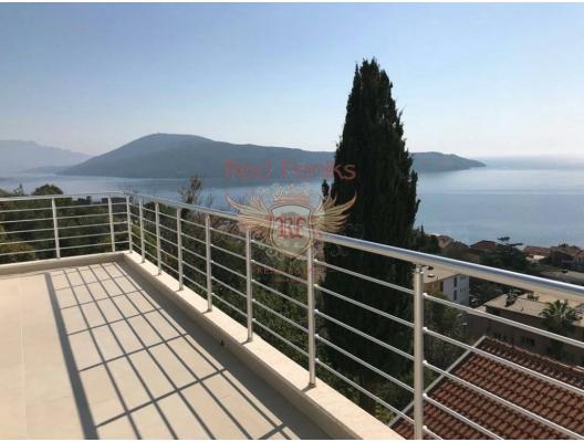 Herceg Novi, Karadağ 'da satılık 3+1 yeni panoramik daire122 m² alana sahiptir.