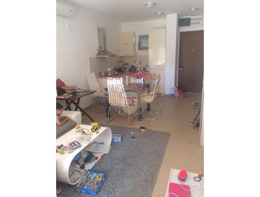 Djenovici'de bahçe ile daire, Karadağ satılık evler, Karadağ da satılık daire, Karadağ da satılık daireler
