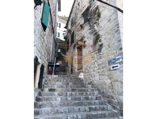 Commercial Space in the Old Town of Kotor, Karadağ da satılık işyeri, Karadağ da satılık işyerleri, Budva da Satılık Hotel