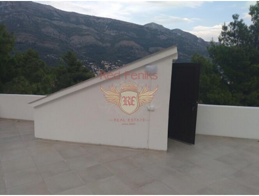 New House with a Sea View in Sutomore, house near the sea Montenegro