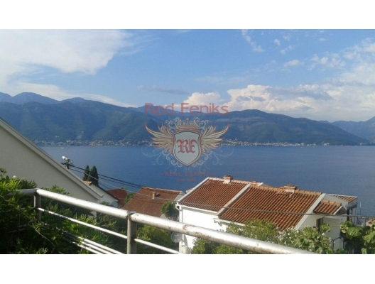 Apartment for sale in Krasici, Lustica bay, Montenegro Cozy duplex apartment with an area of 49 square meters with a view terrace, a balcony, two bedrooms, internal staircase, parking space, located 250 meters from the sea.
