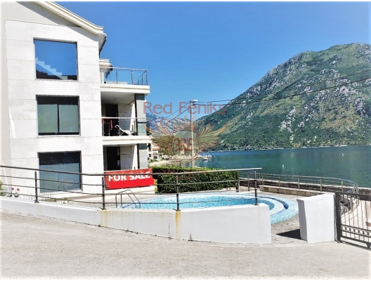 Three bedroom apartment with sea views in the Bay of Kotor, apartments for rent in Dobrota buy, apartments for sale in Montenegro, flats in Montenegro sale