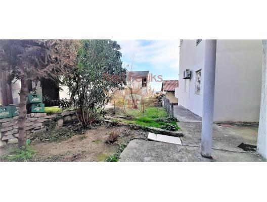 Stüdyo verandada Igalo ile, Karadağ da satılık ev, Montenegro da satılık ev, Karadağ da satılık emlak