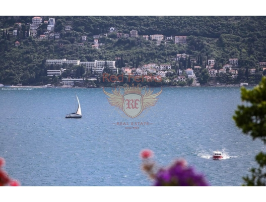 Herceg Novi'de Deniz Manzaralı Geniş Daire, Karadağ da satılık ev, Montenegro da satılık ev, Karadağ da satılık emlak