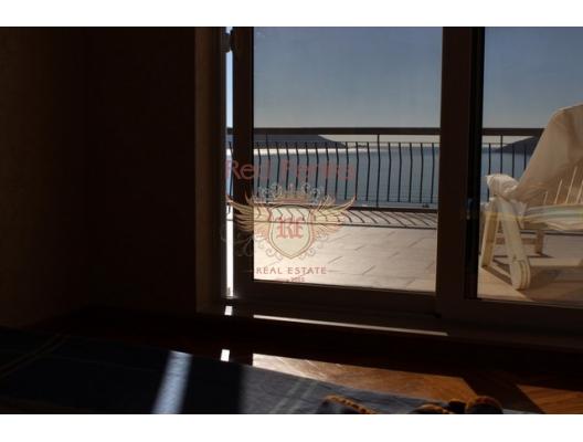 Igalo'da Lüks Daire, Karadağ da satılık ev, Montenegro da satılık ev, Karadağ da satılık emlak