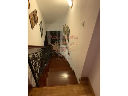 Kotor Eski Kenti'nde üç yatak odalı dubleks, Kotor-Bay da satılık evler, Kotor-Bay satılık daire, Kotor-Bay satılık daireler