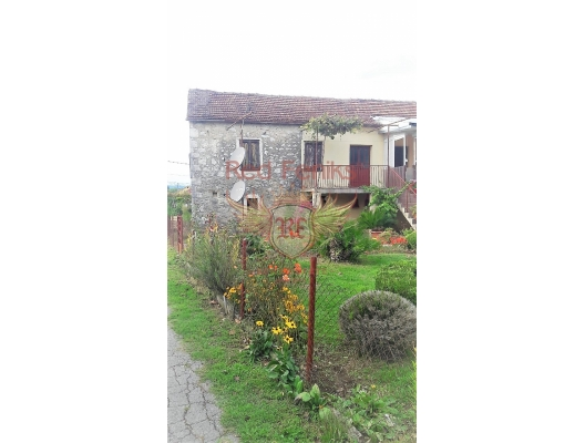 Large estate with a house in Danilovgrad, plot in Montenegro for sale, buy plot in Central region, building plot in Montenegro
