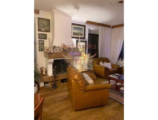 Kotor Eski Kenti'nde üç yatak odalı dubleks, Karadağ satılık evler, Karadağ da satılık daire, Karadağ da satılık daireler