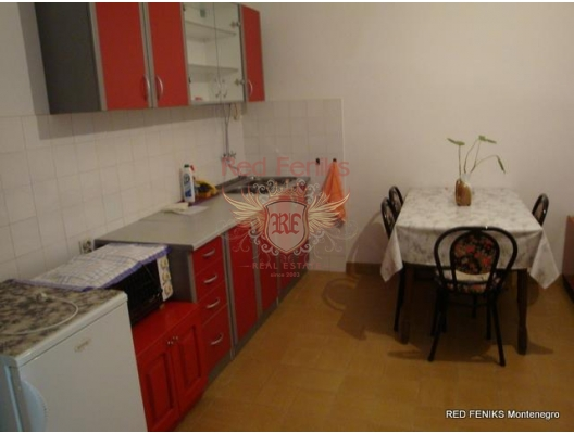 The house is on the first line. Dobrota, Montenegro real estate, property in Montenegro, Kotor-Bay house sale