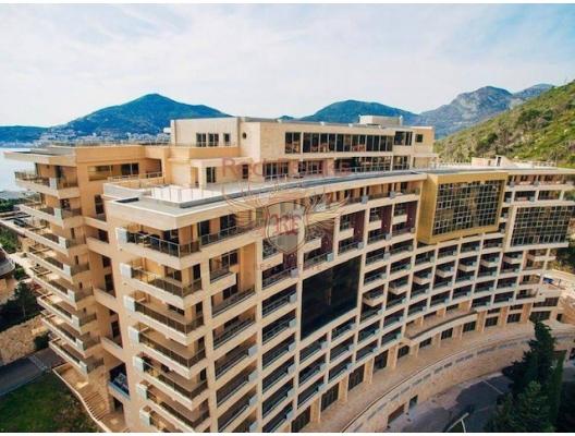 Daire 48 m2 yaşam alanına sahip olup Budva-Beçiçi sınırında yeni bir residence içindedir.