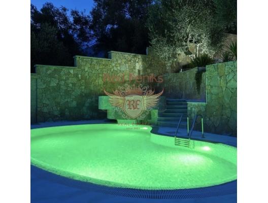 Prelepa kamena vila sa bazenom u Buljarici, prodaja kuća Crna Gora, kupiti vilu u Region Budva, vila blizu mora Becici