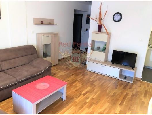 Satılık üç odalı daire Budva, Karadağ.