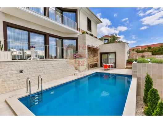 Tivat'da Geniş Konforlu Villa, Karadağ da satılık havuzlu villa, Karadağ da satılık deniz manzaralı villa, Bigova satılık müstakil ev