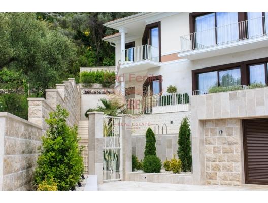 Tivat'da Geniş Konforlu Villa, Karadağ satılık ev, Karadağ satılık müstakil ev, Karadağ Ev Fiyatları