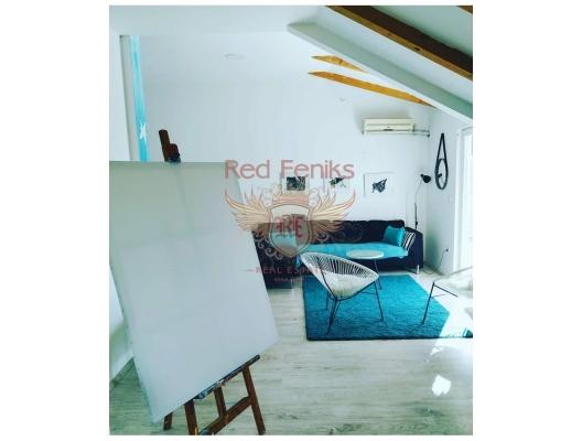 Kavac'ta büyük arsa ile ev, Region Tivat satılık müstakil ev, Region Tivat satılık villa