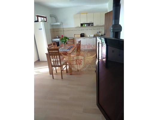 Kavac'ta büyük arsa ile ev, Karadağ Villa Fiyatları Karadağ da satılık ev, Montenegro da satılık ev, Karadağ satılık villa