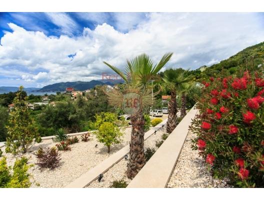 Magnificent Villa in Tivat, Karadağ da satılık havuzlu villa, Karadağ da satılık deniz manzaralı villa, Bigova satılık müstakil ev