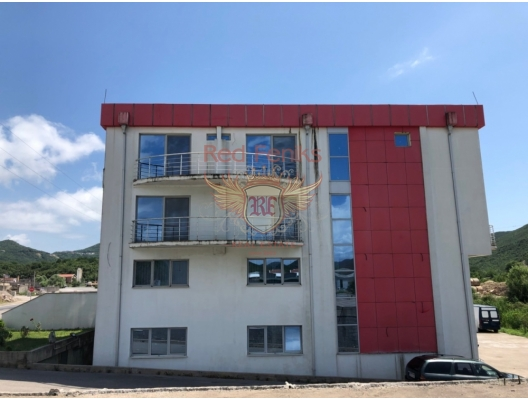 Commercial premises located on the Budva-Tivat highway.