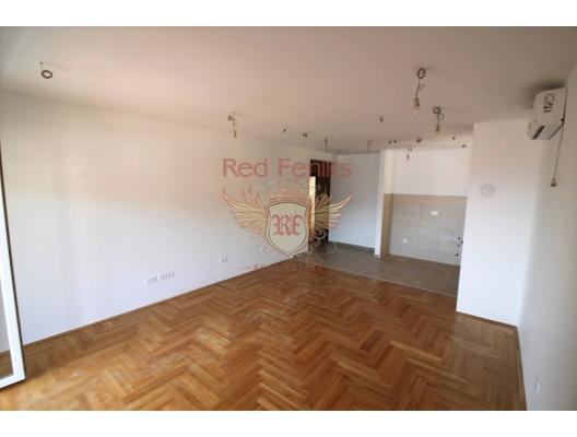 Sondan bir önceki katta Daire, 75 m2, Budva, Karadağ.