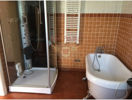 Dubrova'da Muhteşem Bir Villa, Karadağ satılık ev, Karadağ satılık müstakil ev, Karadağ Ev Fiyatları