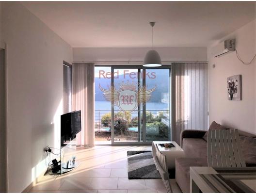 Boka Bay'de İki Yatak Odalı Deniz Manzaralı Daire, Karadağ'da satılık otel konsepti daire, Karadağ'da satılık otel konseptli apart daireler, karadağ yatırım fırsatları