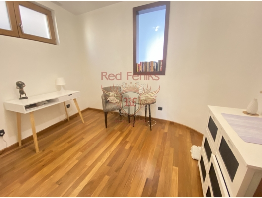 Two Bedroom Apartment in the Center of Budva 150 meters from the sea., apartments for rent in Becici buy, apartments for sale in Montenegro, flats in Montenegro sale