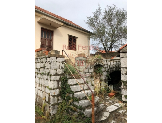 Two-storey House on Lustica, Krasici house buy, buy house in Montenegro, sea view house for sale in Montenegro